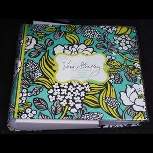NWT Vera Bradley Deluxe Photo Album Island Blooms